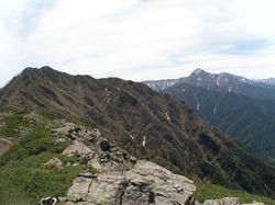 アサヨ峰と北岳.jpg