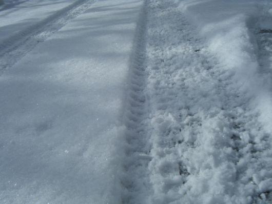 12.25 2センチ積雪道路.jpg