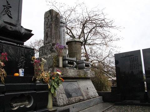5.170402雷電墓.JPG