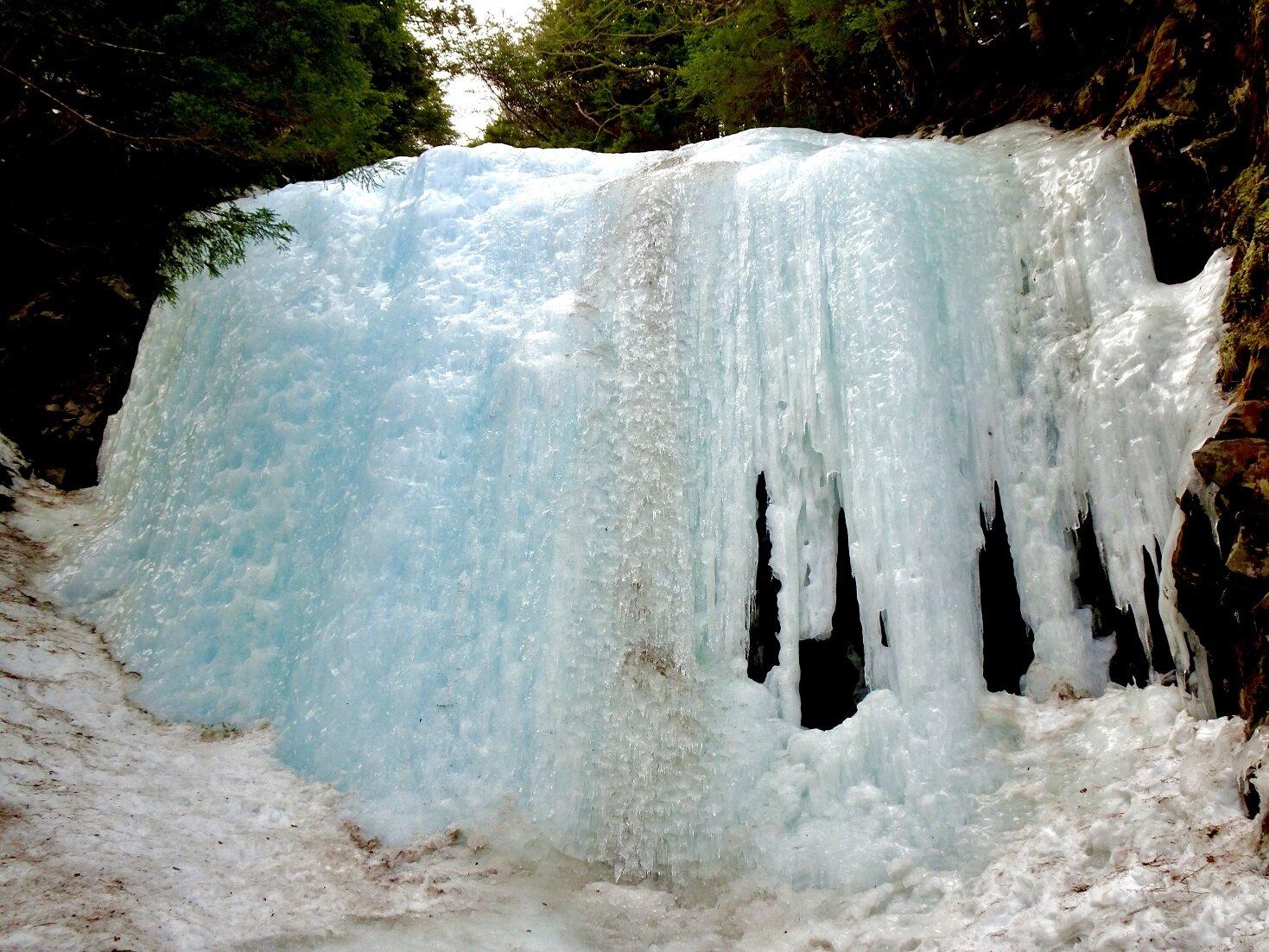 ブログ用写真氷瀑image2.jpg
