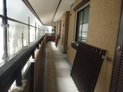 ①-2B棟廊下.JPG
