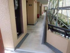 ④-1A廊下塩ビシート施工前(1F).JPG