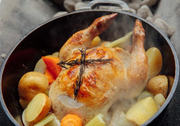 丸鶏(ダッチオーブングリル)の画像
